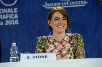 29760-Press_Conference_-_La_La_Land_-_Emma_Stone_-_foto_ASAC__2_