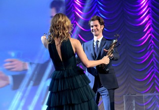 PALM SPRINGS, CA - JANUARY 02: Actress Laura Dern and Andrew Garfield attend the 28th Annual Palm Springs International Film Festival Film Awards Gala at the Palm Springs Convention Center on January 2, 2017 in Palm Springs, California. (Photo by Charley Gallay/Getty Images for Palm Springs International Film Festival)