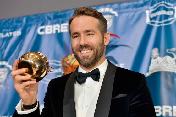 CAMBRIDGE, MA - FEBRUARY 03:  Hasty Pudding Theatricals Honors Ryan Reynolds as 2017 Man Of The Year on February 3, 2017 in Cambridge, Massachusetts.  (Photo by Paul Marotta/Getty Images for for Hasty Pudding Institute of 1770) *** Local Caption *** Ryan Reynolds